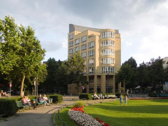 4: Prager Platz, Wohnbebauung • Aschaffenburger Straße, Prinzregentenstraße • Carlo Aymonino • Block 131 • Zustand Juli 2012 • Foto: Gunnar Klack