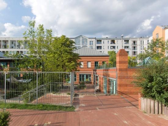 19: Kindertagesstätte im Wohnpark • Lützowstraße 61–63 • Klaus Baesler/Bernhard Schmidt • Block 234 • Zustand Juli 2012 • Foto: Gunnar Klack