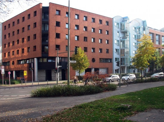 Wohnhäuser Lützowplatz 1–5, Straßenansicht, Zustand Oktober 2012; Foto: Dirk Kaden