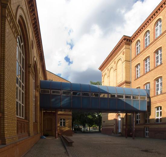 33: Modernisierung der Fritzlar-Homberg-Schule • Lützowstraße 82–88 • Bezirksamt Tiergarten/Hochbauamt • Block 238 • Zustand Juli 2012 • Foto: Gunnar Klack