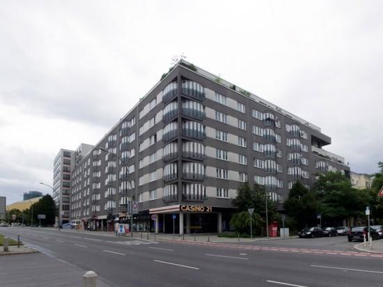 """38: Wohnen """"Am Karlsbad"""" • Potsdamer Straße 57/59, Bissingzeile 1 • Georg Heinrichs & Partner • Block 228 • Zustand Juli 2012 • Foto: Gunnar Klack"""
