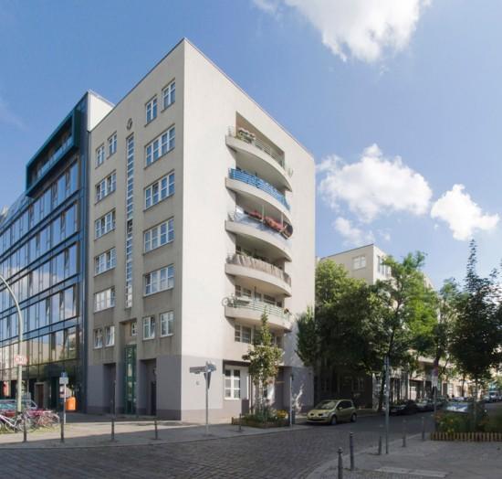 44:Wohnhaus an der Körnerstraße • Körnerstraße 25–28, Lützowstraße 99 • Rupert Ahlborn/Wolfgang Roemer • Block 240 • Zustand Juli 2012 • Foto: Gunnar Klack