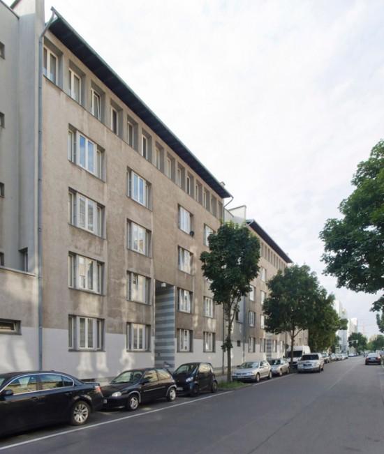 49: Wohnhaus • Dessauer Straße 11/12 • Dietmar Grötzebach/Günter Plessow/Reinhold Ehlers • Block 6 • Zustand Juli 2012 • Foto: Gunnar Klack