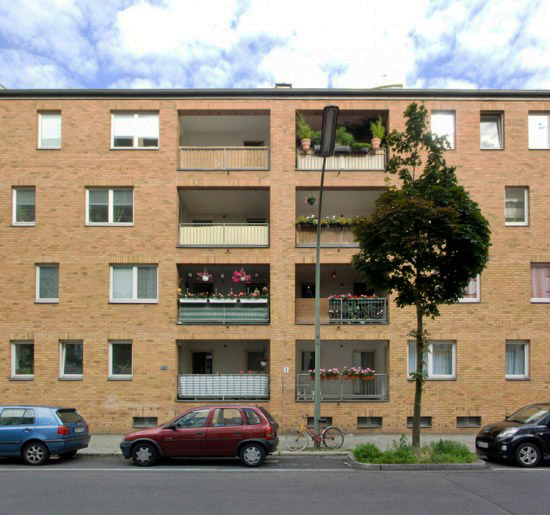 Wohnhaus Dessauer Straße 38/39, Myra Warhaftig, Zustand Juli 2012; Foto: Gunnar Klack