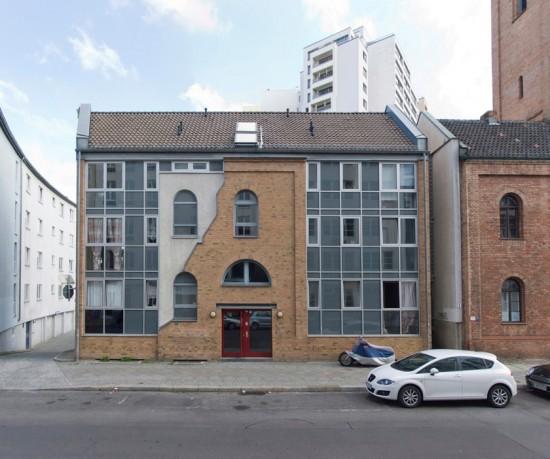 51: Wohnhaus • Bernburger Straße 6 • Peter Blake • Block 2 • Zustand Juli 2012 • Foto: Gunnar Klack