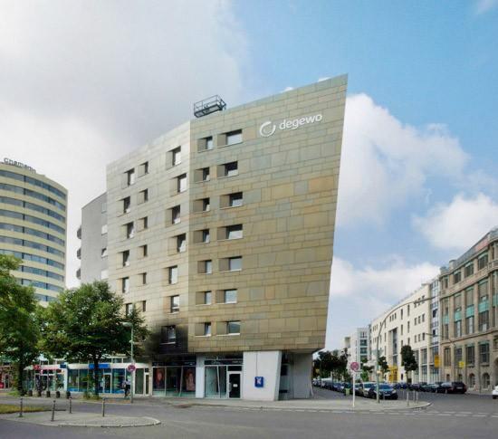 Wohnhaus Stresemannstraße 105–109, Zaha Hadid, Zustand Juli 2012; Foto: Gunnar Klack