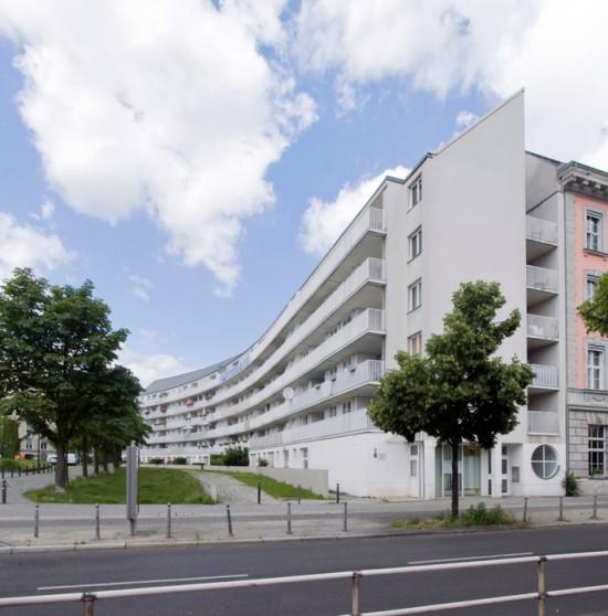 52: Wohnanlage am Mendelsohn-Bartholdy-Park • Schöneberger Straße 5 • Josef Paul Kleihues • Block 7 • Zustand Juli 2012 • Foto: Gunnar Klack