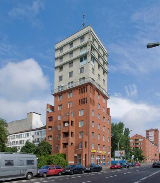 65: Wohnturm • Wilhelmstraße 119 • Pietro Derossi • Block 9 • Zustand Juli 2012 • Foto: Gunnar Klack