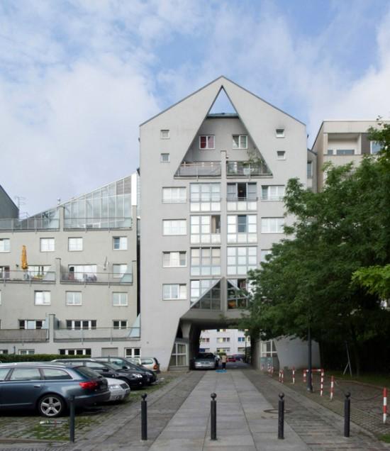 79:Torhaus und Lichthofhaus • Wilhelmstraße 13/14 • Helmut Bier/Hans Korn/Hansjürg Zeitler • Block 20 • Zustand Juli 2012 • Foto: Gunnar Klack
