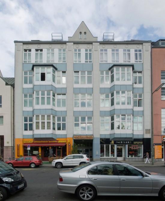 83: Wohnhaus mit Kultur- und Freizeitzentrum für Gehörlose • Friedrichstraße 12 • Joachim Schmidt/Inès Hofmann Bauschulte • Block 606 • Zustand Juli 2012 • Foto: Gunnar Klack