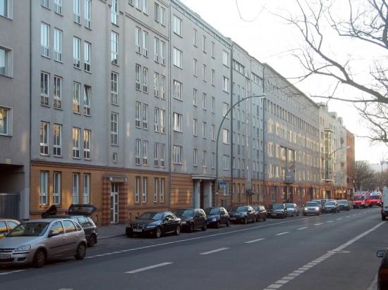 Wohnhäuser Lützowstraße 57–66, Straßenansicht, Zustand März 2012; Foto: Dirk Kaden