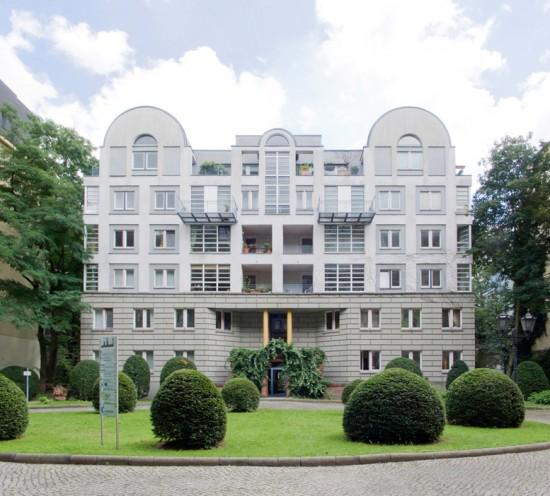99: Wohnpark am Berlin Museum, Wohnhaus • Lindenstraße 19 • Arata Isozaki • Block 33 • Zustand Juli 2012 • Foto: Gunnar Klack