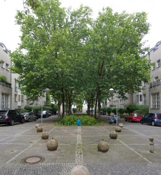 Block, Ritterstraße 56–59, Außenanlagen Jasper Halfmann und Klaus Zillich, Zustand Juli 2012; Foto: Gunnar Klack