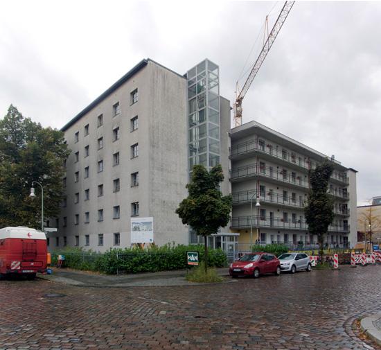 107: Instandsetzung und Modernisierung • Waldemarstraße, Legiendamm • Block 58 • Zustand Juli 2012 • Foto: Gunnar Klack
