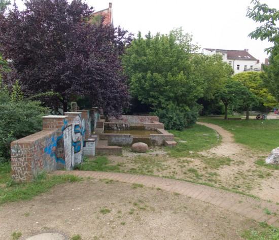 123: Stadtteilpark • Mariannenstraße, Skalitzer Straße • Hermann Barges • Block 104 • Zustand Juli 2012 • Foto: Gunnar Klack