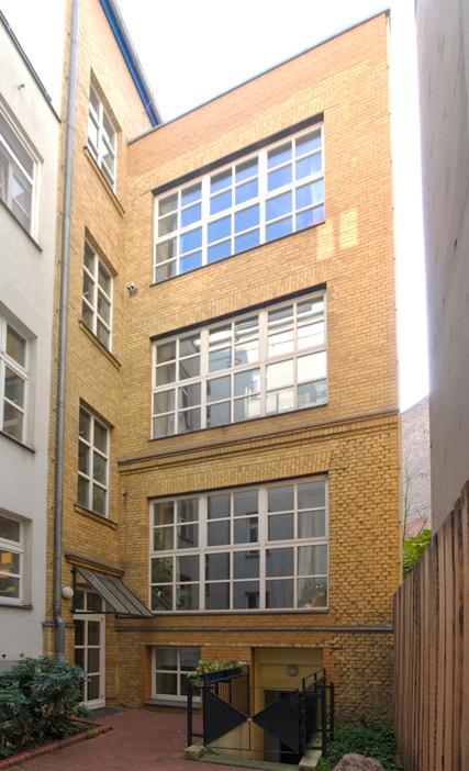 125: Kindertagesstätte und Kultur • Heinrichplatz, Oranienstraße 190/192 • Jürgen Haug, Bogensberger/Schlusche • Block 82 • Zustand Juli 2012 • Foto: Gunnar Klack
