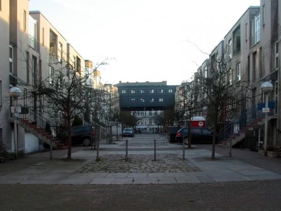 Stadthäuser Lützowstraße, Blick in die Gasse B, Zustand März 2012; Foto: Dirk Kaden