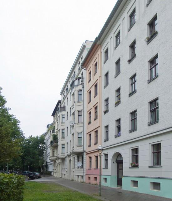 130: Instandsetzung und Modernisierung • Erkelenzdamm • zahlreiche Planer und Projektpartner • Block 85 • Zustand Juli 2012 • Foto: Gunnar Klack