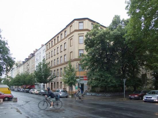 130: Instandsetzung und Modernisierung • Reichenberger Straße, Erkelenzdamm • zahlreiche Planer und Projektpartner • Block 85 • Zustand Juli 2012 • Foto: Gunnar Klack