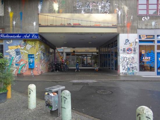 131: Verbesserungsmaßnahmen Neues Kreuzberger Zentrum • Durchbruch Dresdener Straße • zahlreiche Planer und Projektpartner • Blöcke 80, 81 • Zustand Juli 2012 • Foto: Gunnar Klack