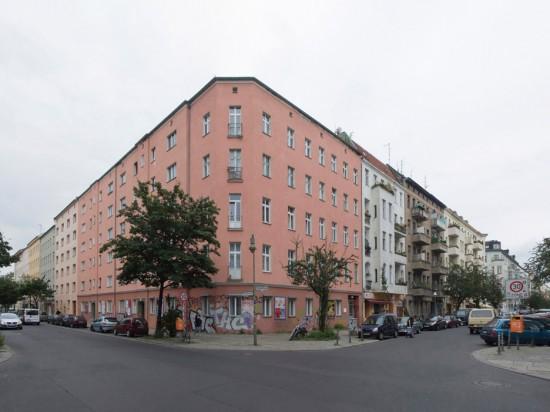 139.3: Instandsetzung und Modernisierung • Manteuffelstraße, Muskauer Straße • zahlreiche Planer und Projektpartner • Block 95 • Zustand Juli 2012 • Foto: Gunnar Klack