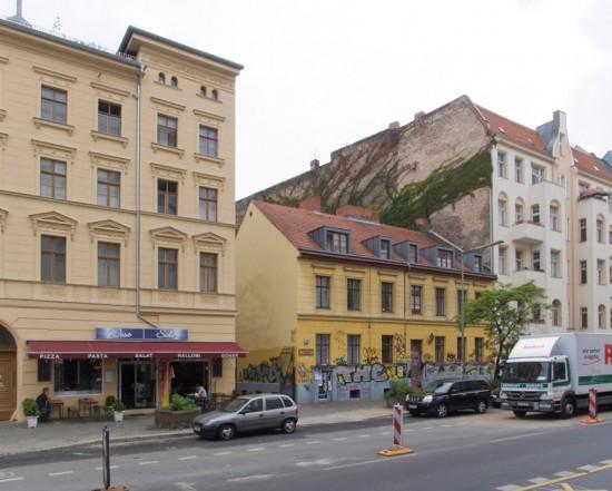148: Ausbildungsprojekt • Schlesische Straße 13 • Klaus Meyer-Rogge/Achim Mittmann • Block 122 • Zustand Juli 2012 • Foto: Gunnar Klack