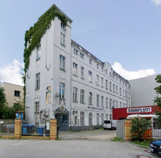 149: Deutsch-türkisches Jugend- und Kulturzentrum • Schlesische Straße 27 • Gibbins & Partner: Jochen Bultmann/Uwe Kühn • Zustand Juli 2012 • Foto: Gunnar Klack