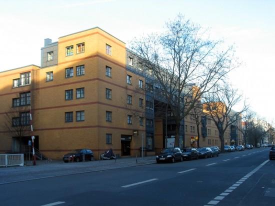 Torhäuser Lützowstraße, Vittorio Gregotti, Zustand März 2012; Foto: Dirk Kaden