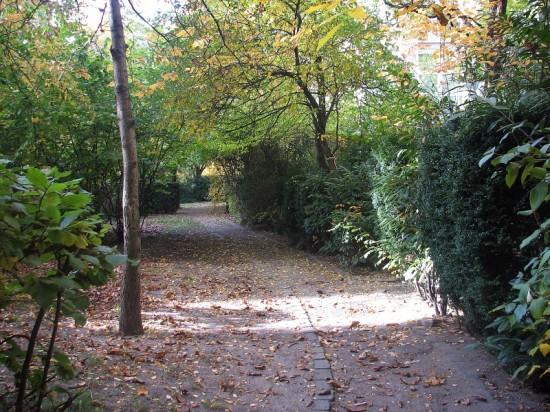 Gartenanlagen Lützowufer 1A–5A, Hannelore Kossel, Zustand Oktober 2012; Foto: Dirk Kaden