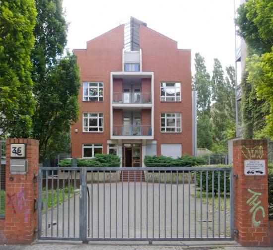 152: Kindertagesstätte der Tabor-Gemeinde • Cuvrystraße 36 • Heinz-Jürgen Drews •Block 134 • Zustand Juli 2012 • Foto: Gunnar Klack