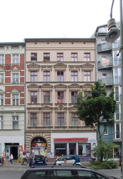 154: Instandsetzung und Modernisierung • Wrangelstraße 56 • Bogensberger/Schlusche, Architektengemeinschaft Durchbruch/Bubacher • Block 133 • Zustand Juli 2012 • Foto: Gunnar Klack