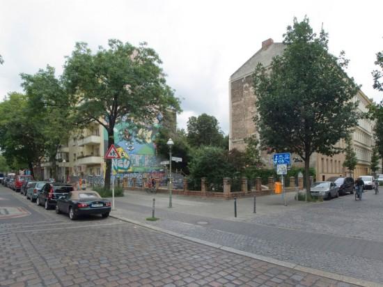 155.1:Instandsetzung und Modernisierung • Görlitzer Straße, Falckensteinstraße • Peter Möhle/Gruppe 67 • Block 132 • Zustand Juli 2012 • Foto: Gunnar Klack