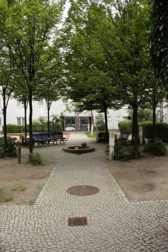 Blick in den Hof Bernburger Straße 8, Zustand 2012; Foto: Corinna Tell