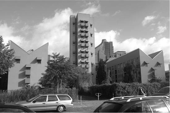 Wohnanlage mit Atelierturm von John Hejduk, Besselstraße, Zustand 2011, Foto: Eva Koch