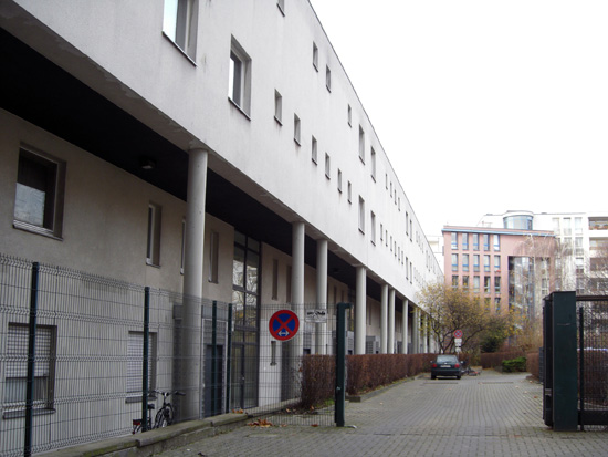 Nordfassade der Zeile, Zustand Dezember 2011; Foto: Tina Kühn