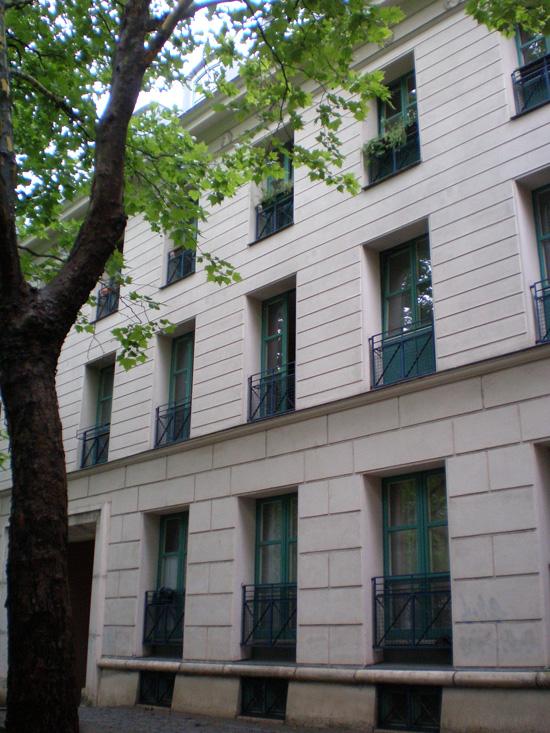 Block 31, Haus 31.7 und 31.16/Wohnhaus am Schinkelplatz (Rob Krier), Zustand Juli 2011; Foto: Marina Bereri